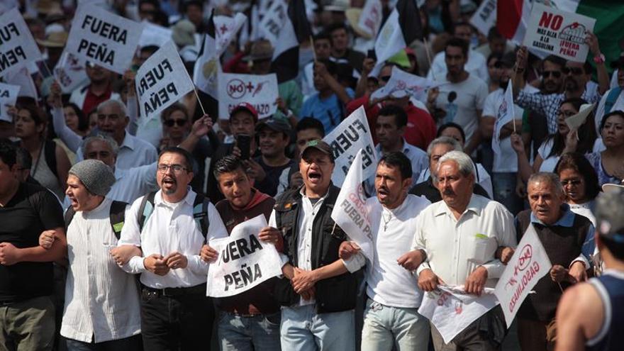"""Mexicanos mantienen pulso contra Gobierno por """"gasolinazo"""" con nuevas marchas"""