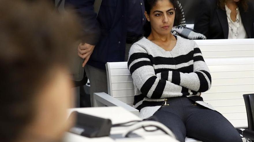 Una mujer acepta 5 años de prisión tras arrepentirse de irse al DAESH con su hijo