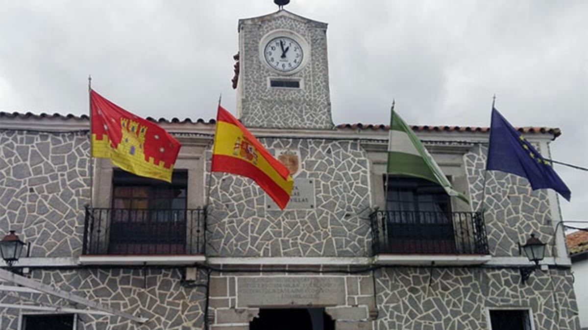 Fachada del Ayuntamiento de Pedroche.