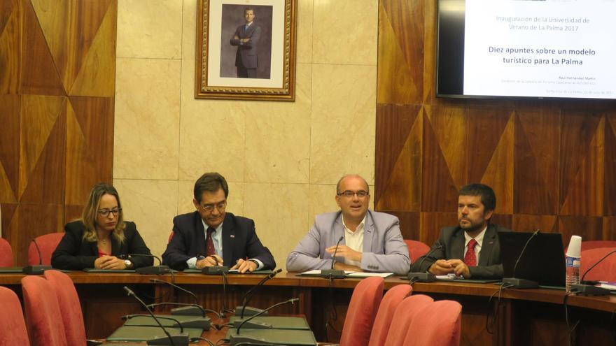 Ponencia inaugural los cursos de la Universidad de Verano de La Palma.