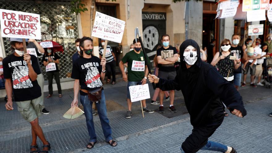 """Los vendedores del Rastro reclaman una mesa de trabajo presencial para abrir """"ya"""""""