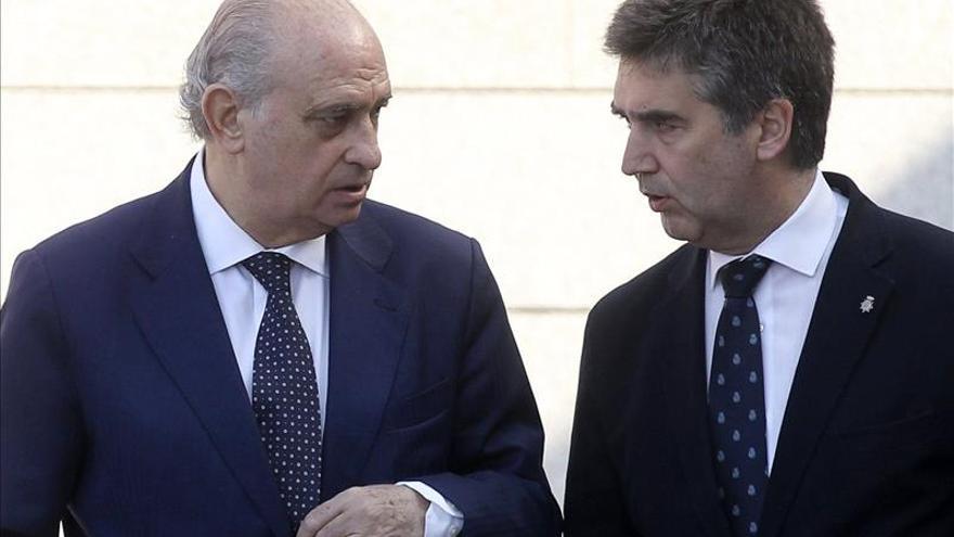 Cosidó pide una mayor implicación de la UE ante el aumento de la presión migratoria