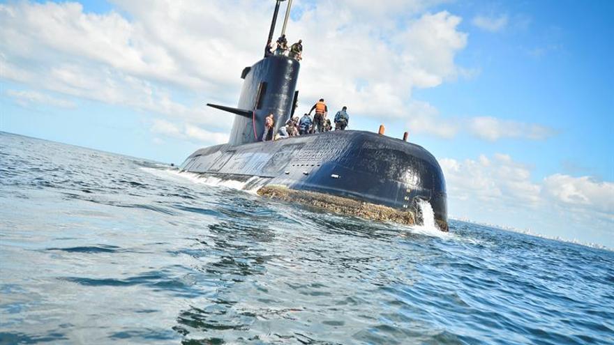Ara San Juan, el ahora olvidado submarino Argentino desaparecido con 44 tripulantes a bordo Buscan-submarino-argentino-tripulantes-incomunicado_EDIIMA20171117_0866_4