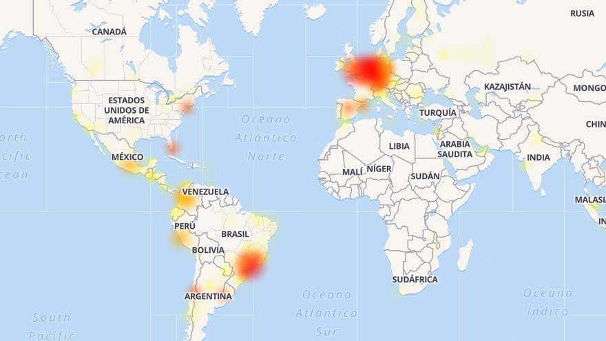 Mapa de calor que muestra el número de errores en WhatsApp reportados por los usuarios a las 18.10 horas de este miércoles.