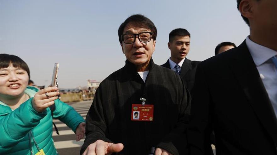 Jackie Chan, Yao Ming y Mo Yan entre los asistentes a la gran cita política de China