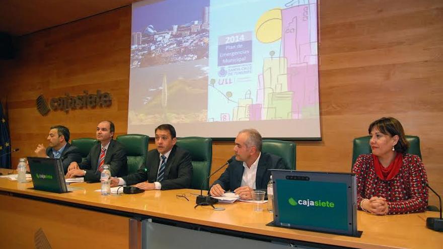 Momento de la presentación de la nueva evaluación de riesgos del Plan Municipal de Emergencias (PEMU).
