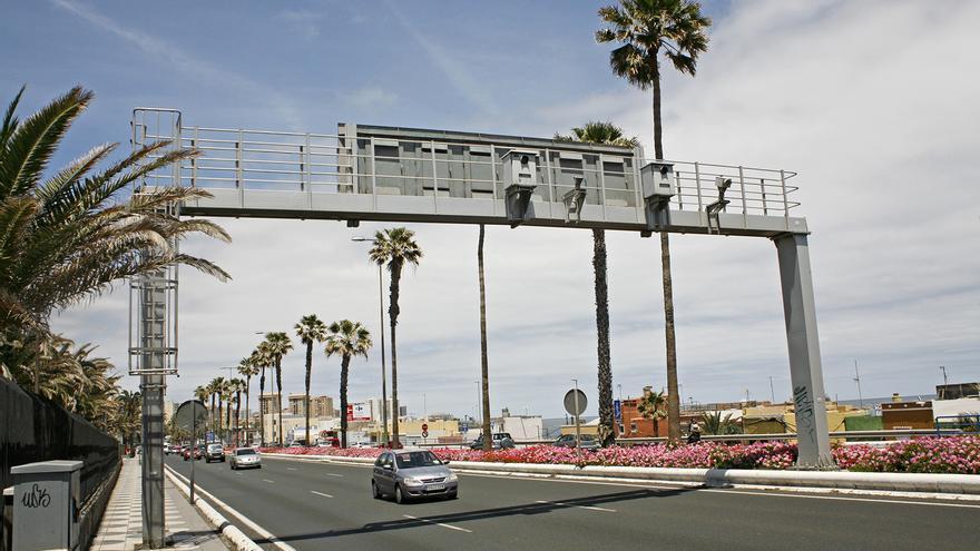 Radar de tráfico en la Avenida Marítima de Las Palmas de Gran Canaria