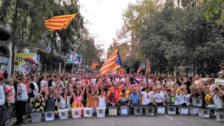 Unos 180.000 asistentes a la manifestación de Barcelona por el 1-0, según la Guardia Urbana