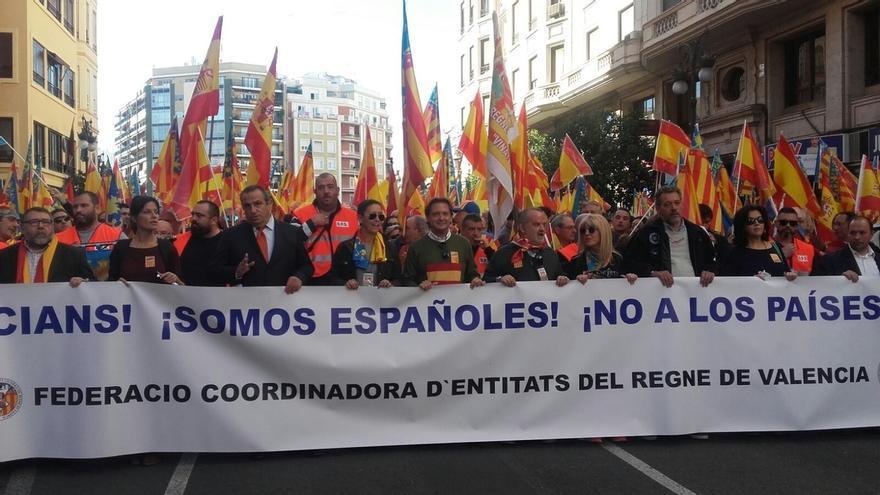 Una manifestación recorre Valencia contra el nacionalismo catalanista