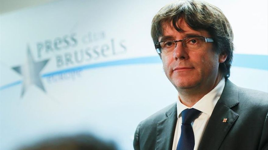 España emite orden europea de arresto de Puigdemont, según su abogado belga