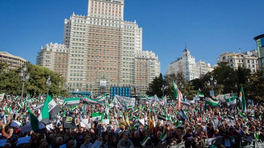 La bandera verde, blanca y negra, la protagonista