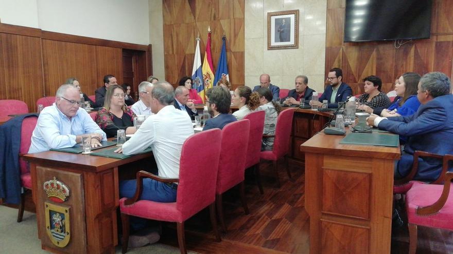 Imagen del último pleno del Cabildo de La Palma del mandato 2015-2019 celebrado este viernes.