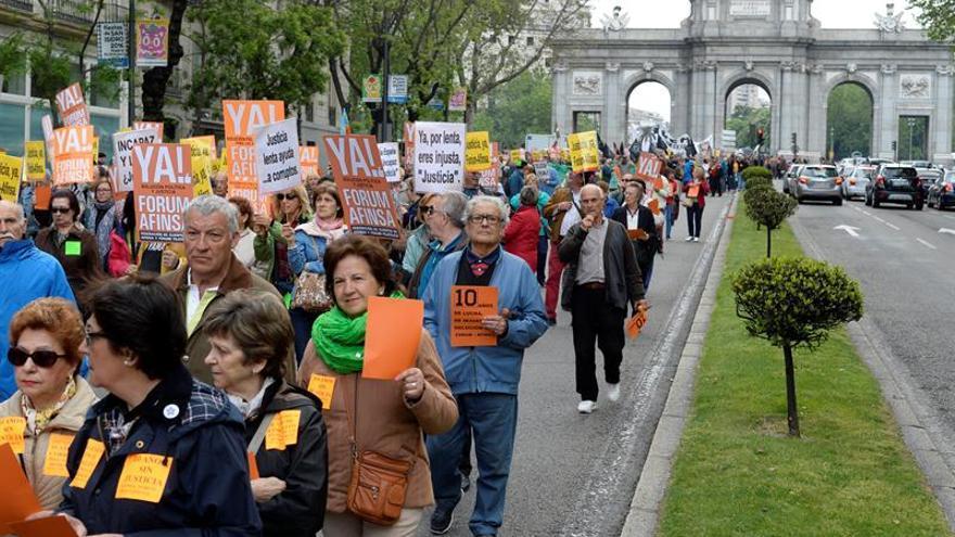 Afectados de Fórum y Afinsa exigen al PP una solución política antes del 26-J