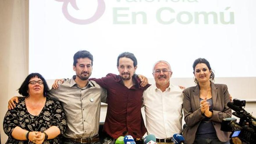 Aurea Ortiz y Jordi Peris, de València en Comú, Pablo Iglesias, y Antonio Montiel y Fabiola Meco, de Podemos.