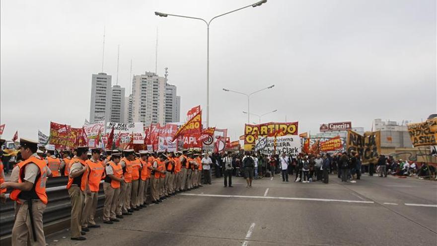 Trabajadores bancarios de Argentina realizarán nueva huelga la próxima semana