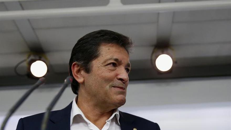 Fernández reúne hoy a los diputados del PSOE para pedirles cohesión
