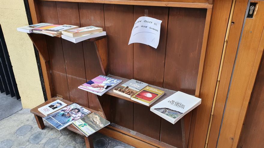 Exterior de la tienda de libros antiguos Ortiz Marcos.