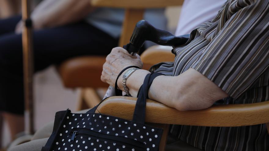 Una residente de residencia de mayores