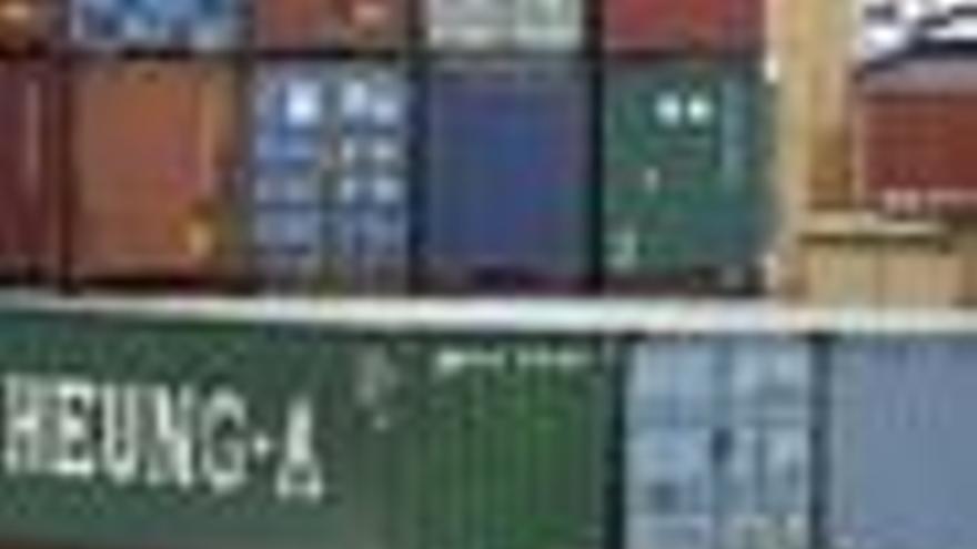 Las exportaciones bajan un 4,8% en septiembre y las importaciones un 9,2%