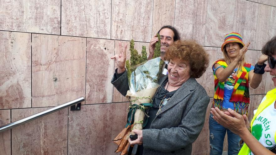 Fernanda de la Figuera, a la salida de los juzgados de Málaga   N.C.