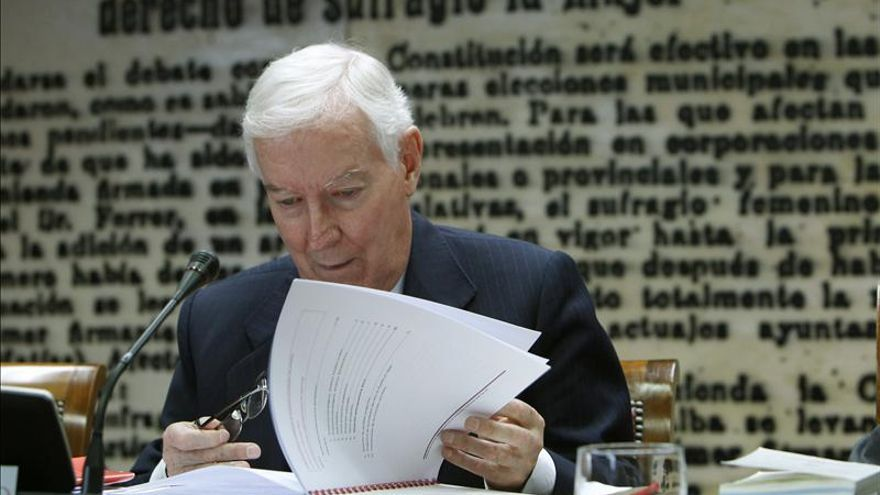 De la Concha admite una duplicidad de acción entre el Cervantes y las embajadas