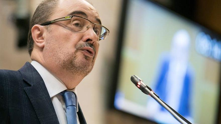 """Lambán cree una """"derrota segura"""" la elección de Hamon en primarias en Francia"""