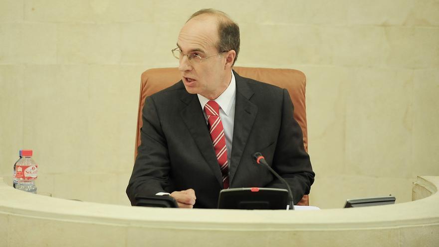 El presidente del Parlamento de Cantabria, José Antonio Cagigas, durante un pleno de la presente legislatura.