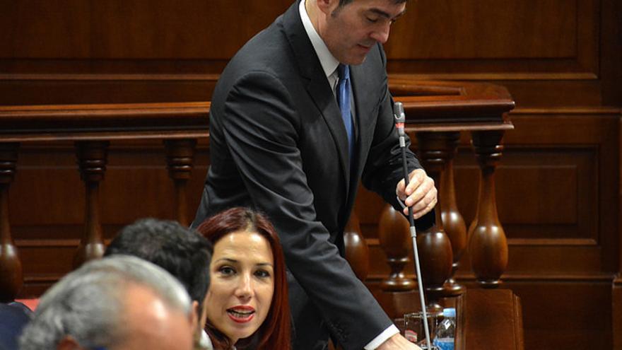 Fernando Clavijo, presidente del Gobierno de Canarias, en un pleno del Parlamento canario