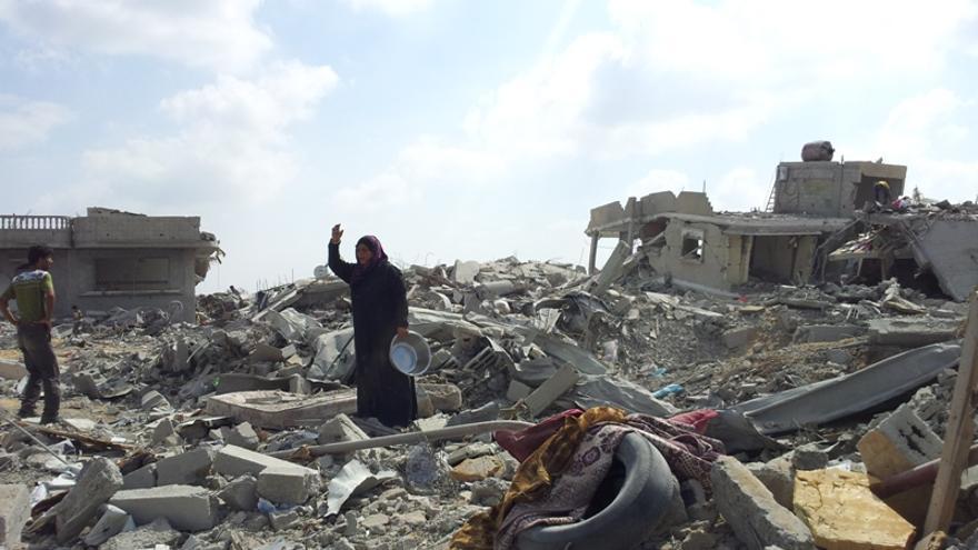 Vecindario de Khuza'a devastado. Foto: Isabel Pérez, Khuza'a, 5 de agosto de 2014.