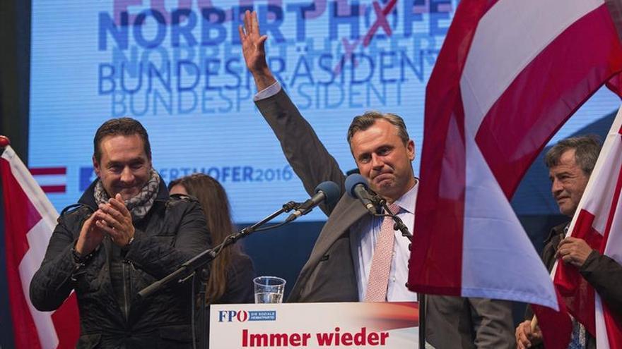 El candidato ultra austríaco, Norbert Hofer, durante un mitin