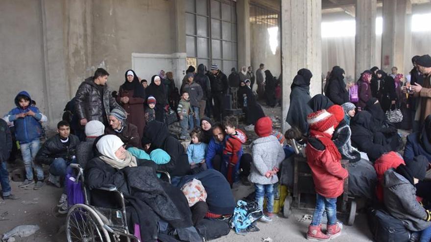 El Observatorio sirio eleva a 50.000 el número de desplazados en Alepo