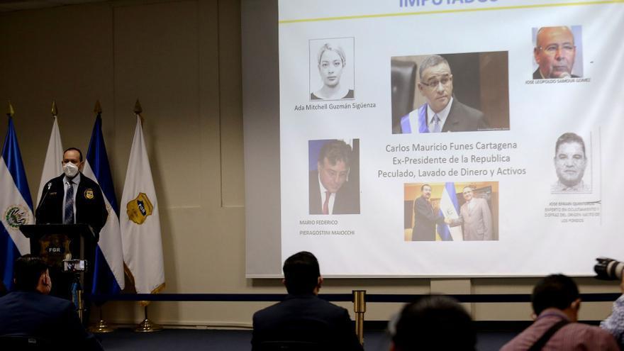 El fiscal de El Salvador ratifica acusación contra Funes por millonario desfalco
