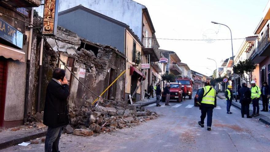 Resultado de imagen para Italia decreta el estado de emergencia en las zonas afectadas por el Etna