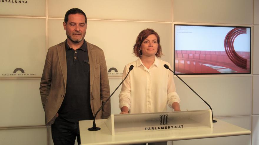 Los comuns piden convocar la Comisión Bilateral Estado-Generalitat y recuperar leyes suspendidas