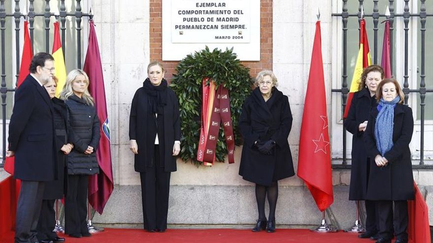 Mariano Rajoy, Cristina Cifuentes y Manuela Carmena, en el homenaje a las víctimas del 11-M