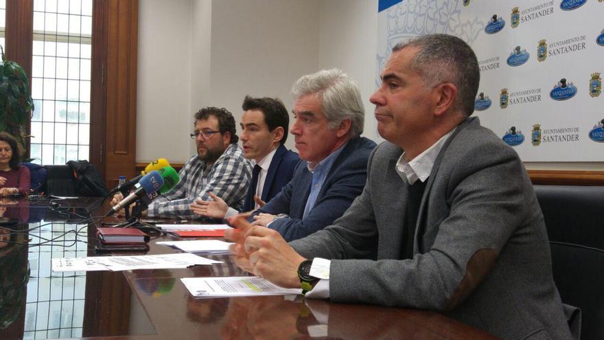 De derecha a izquierda: Miguel Saro, José María Fuentes-Pila, Pedro Casares y Antonio Mantecón.