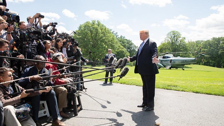 Donald Trump declara ante los medios el pasado 14 de mayo.