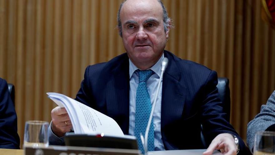 """De Guindos defiende que sus medidas aportaron """"credibilidad"""" a la banca"""