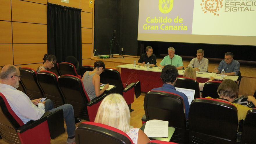 Raúl García Brink, Carlos Ruiz, Oswaldo Guerra y Sergio Morales durante un encuentro con el sector audiovisual