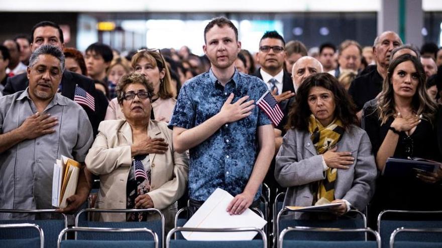 La espera para residencia permanente por familia en EEUU tarda hasta 100 años