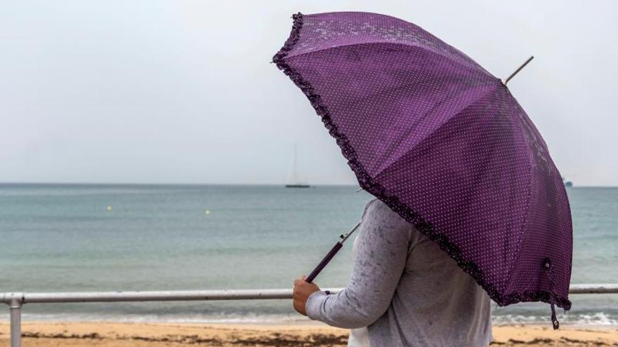 Cinco comunidades del área mediterránea en alerta por lluvia, viento y olas