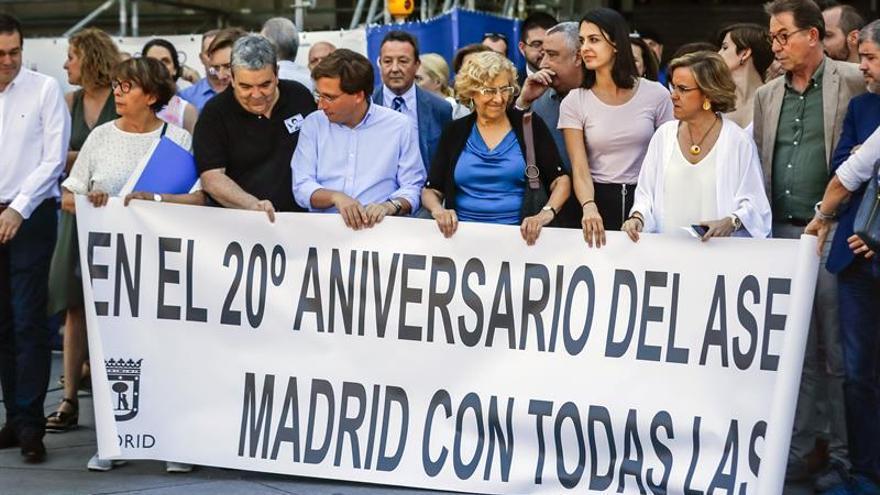 Carmena recuerda a M.A Blanco y receta democracia contra el terrorismo