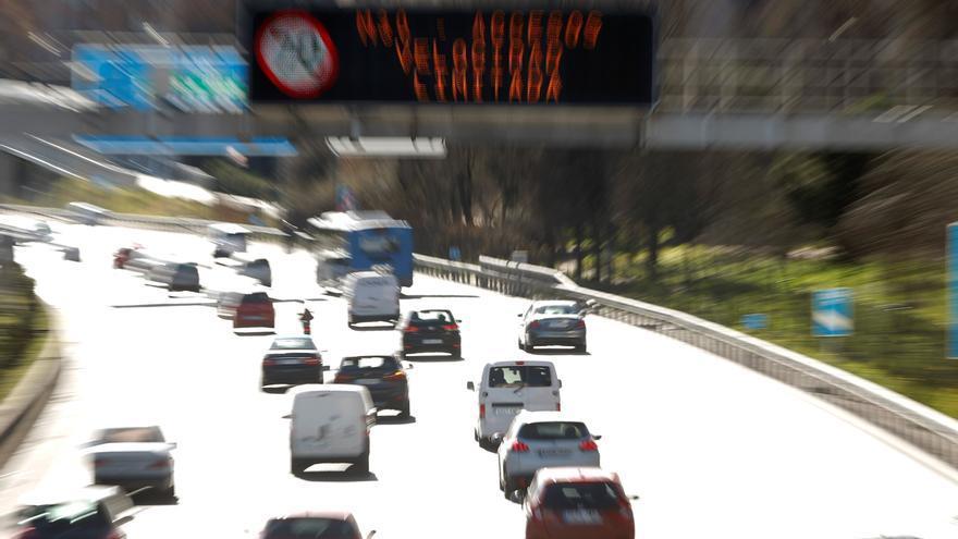 Madrid mantiene perimetradas dieciséis zonas sanitarias y dos municipios