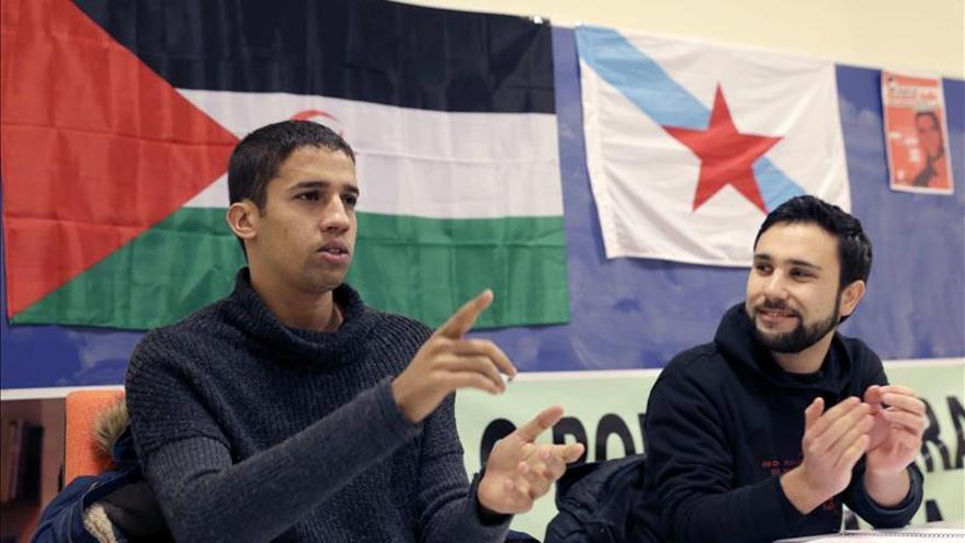 Cien personas exigen en Albacete asilo político para saharaui Hassana Aalia