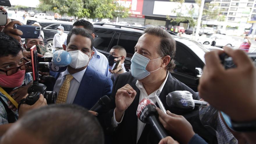 El expresidente de la República de Panamá, Juan Carlos Varela (2014-2019), comparece la mañana de hoy jueves, en la Fiscalía Especial Anticorrupción del caso Odebrecht, que lo citó para que rindiera indagatoria por la presunta comisión del delito de blanqueo de capitales.
