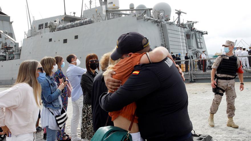 """La fragata """"Méndez Núñez"""" regresó a Ferrol tras completar las maniobras de la OTAN"""