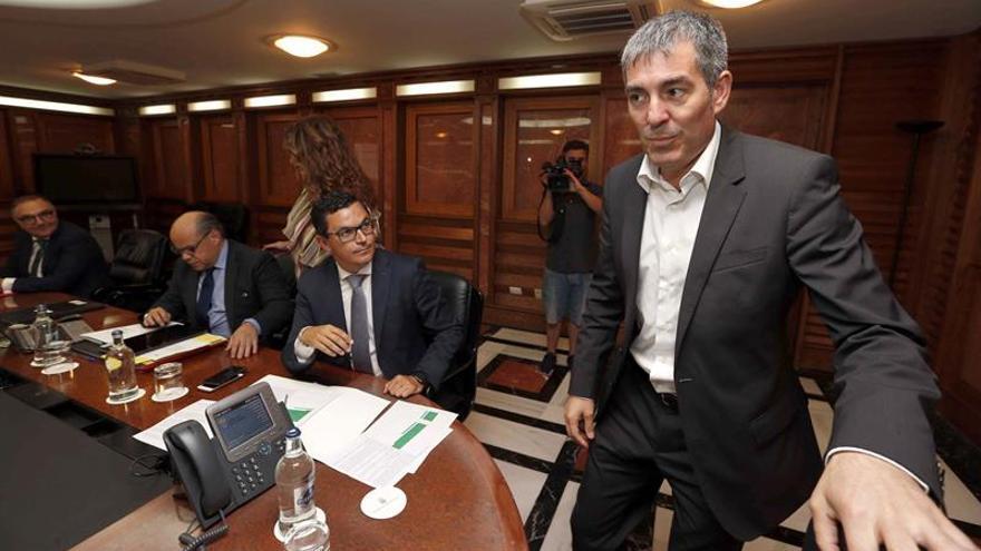 Reunión del Consejo de Gobierno, celebrada en Las Palmas de Gran Canaria. EFE/Elvira Urquijo A.