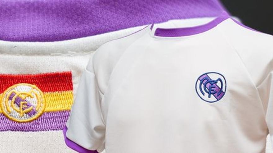Camiseta del equipo ficticio Madrid Club de Fútbol