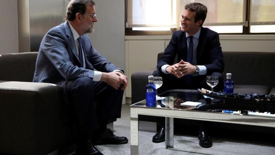 """Casado y Rajoy mantienen reunión de hora y media """"cordial y llena de respeto"""""""