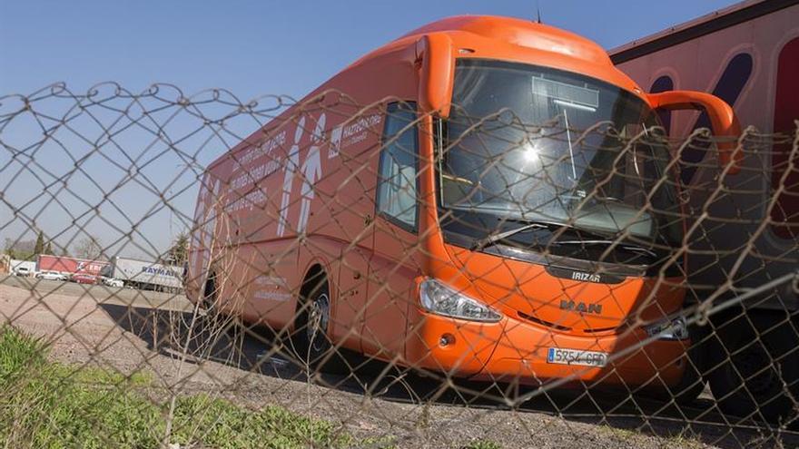 Un juzgado prohíbe circular al autobús transfóbico de HazteOir